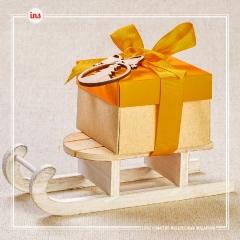 Санки с подарком